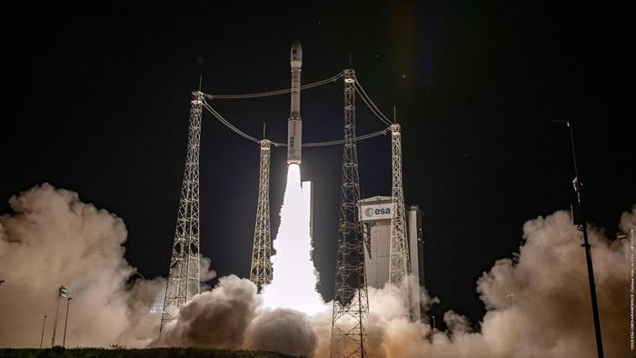 """阿丽亚娜""""织女星""""火箭发射后发生故障 致使两颗卫星丢失"""