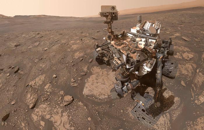 """NASA""""好奇号""""火星车在""""毅力""""号探测器到来前拍下自拍照"""