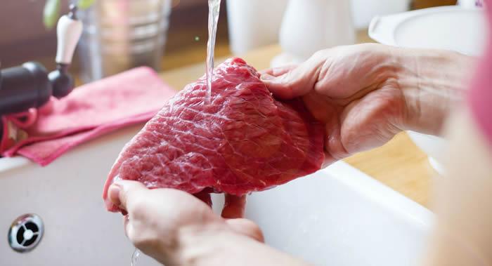 牛津大学科学家发现不吃肉会增加骨折风险