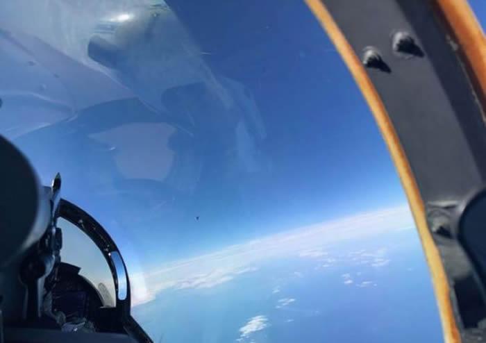"""美国国防部据传有2份机密报告外泄 """"神秘不明飞行物体""""UFO盘旋于大西洋上空"""