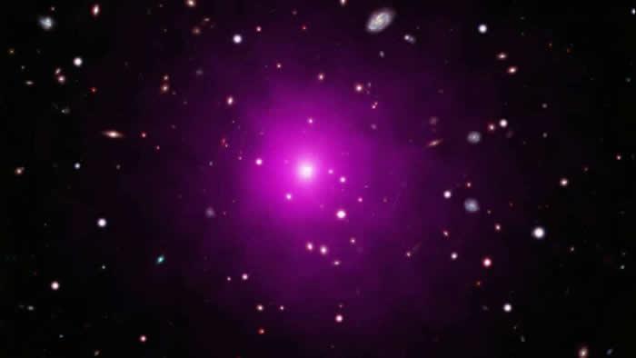 科学家无法找到阿贝尔2261星系团中心的巨大黑洞