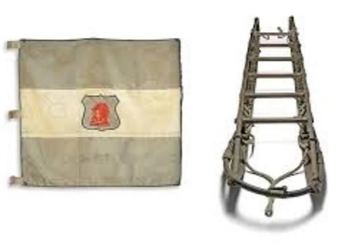 雪橇和旗帜将捐予英国国内博物馆。