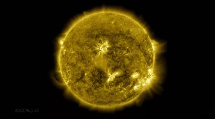 《天体物理学杂志通讯》:日震的起源很可能潜伏在太阳表面之下