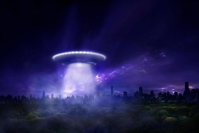"""政府档案解密网站""""The Black Vault""""公开美国中央情报局大量UFO机密文件"""