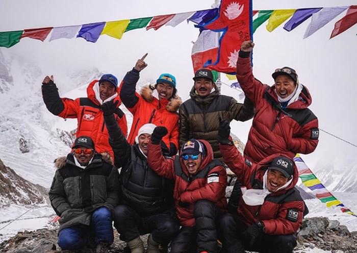 人类首次在冬季成功征服乔戈里峰(K2) 尼泊尔登山队创历史