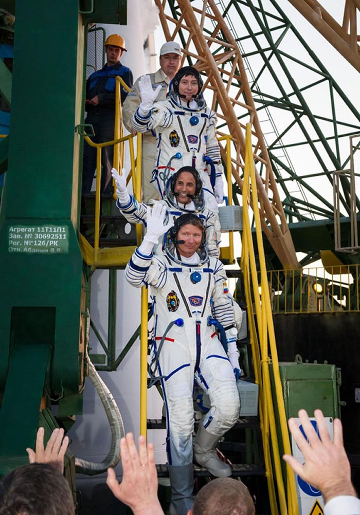 NASA前宇航员特里·弗茨Terry Virts讲述从太空返回地球时的惊险之旅