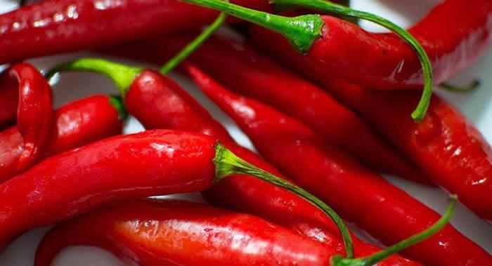 《美国心脏病学会杂志》:研究称吃辣椒或有益心脏健康
