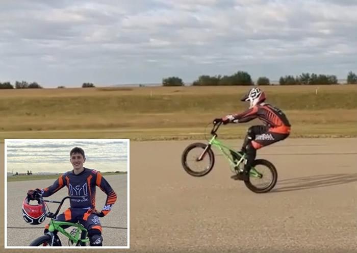 加拿大艾伯塔省卡尔加里小轮车(BMX)车手Max Ganakovsky打破最长距离世界纪录