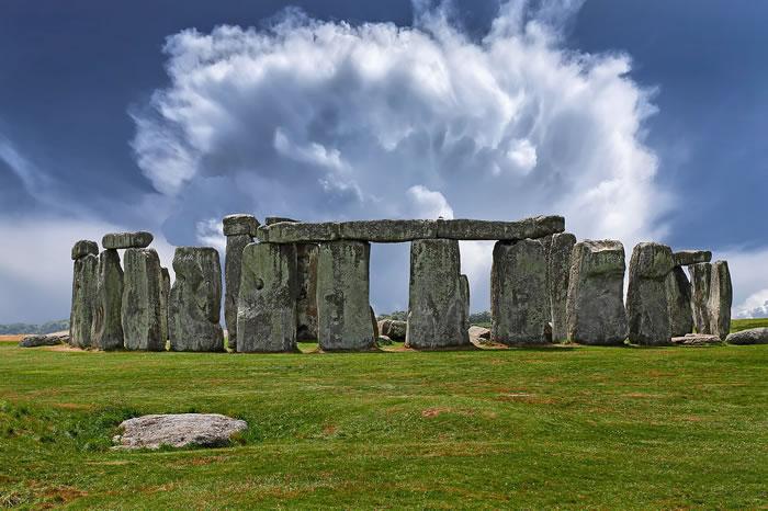 《Antiquity》杂志:巨石阵所用石头可能来自175英里外的另一个古迹