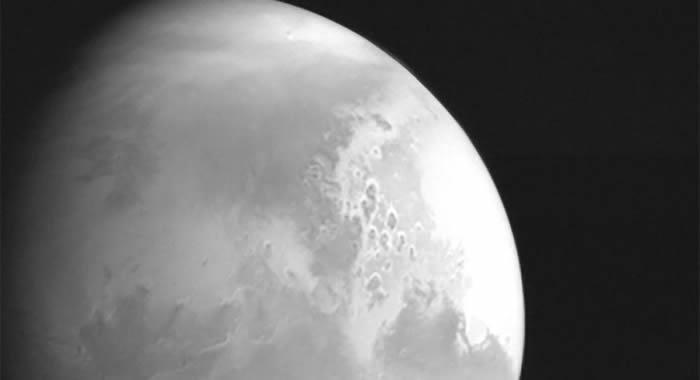 中国天问一号火星探测器成功实施第三次近火制动 进入火星停泊轨道