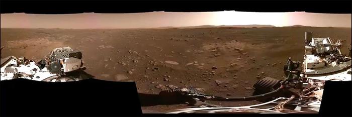 毅力号探测车在2月20日所拍摄的火星地表360度全景影像。 PHOTO BY NASA/JPL-CALTECH (MOSAIC OF SIX IMAGES)