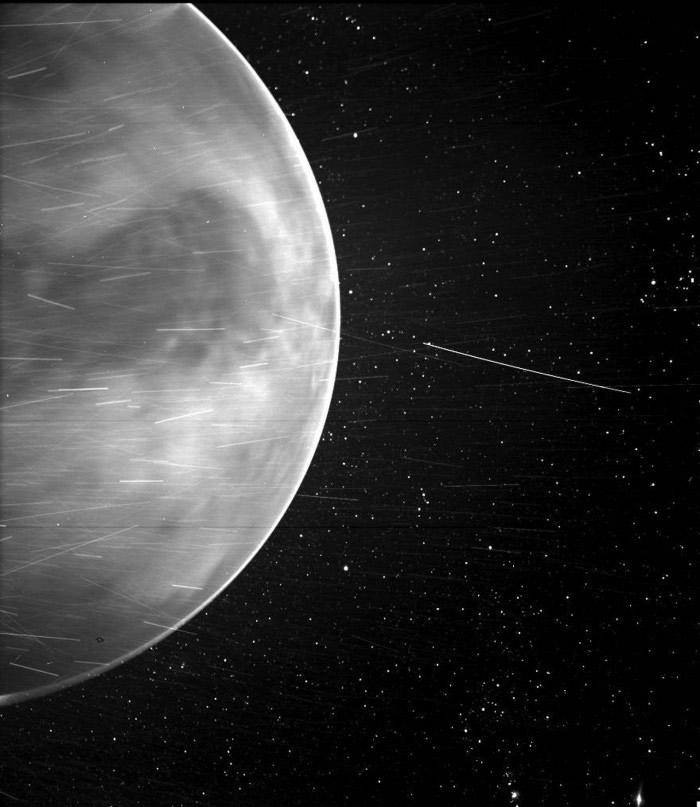 美国宇航局帕克太阳探测器拍摄到不可思议的金星照片