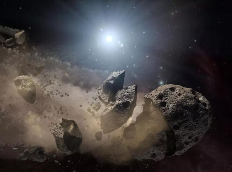 """意大利天文学家:对""""杀手级""""小行星最佳防御是在太空用导弹轰击它们"""