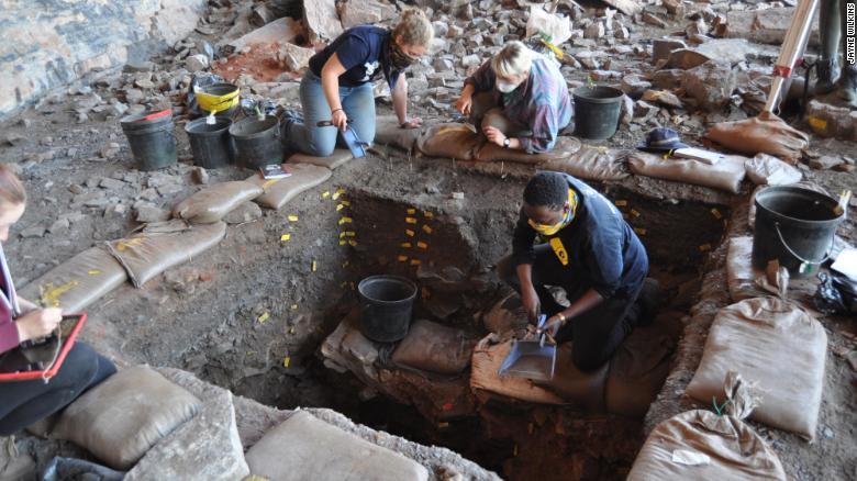 南非一内陆遗址发现早期现代人复杂行为的证据 挑战主流观点