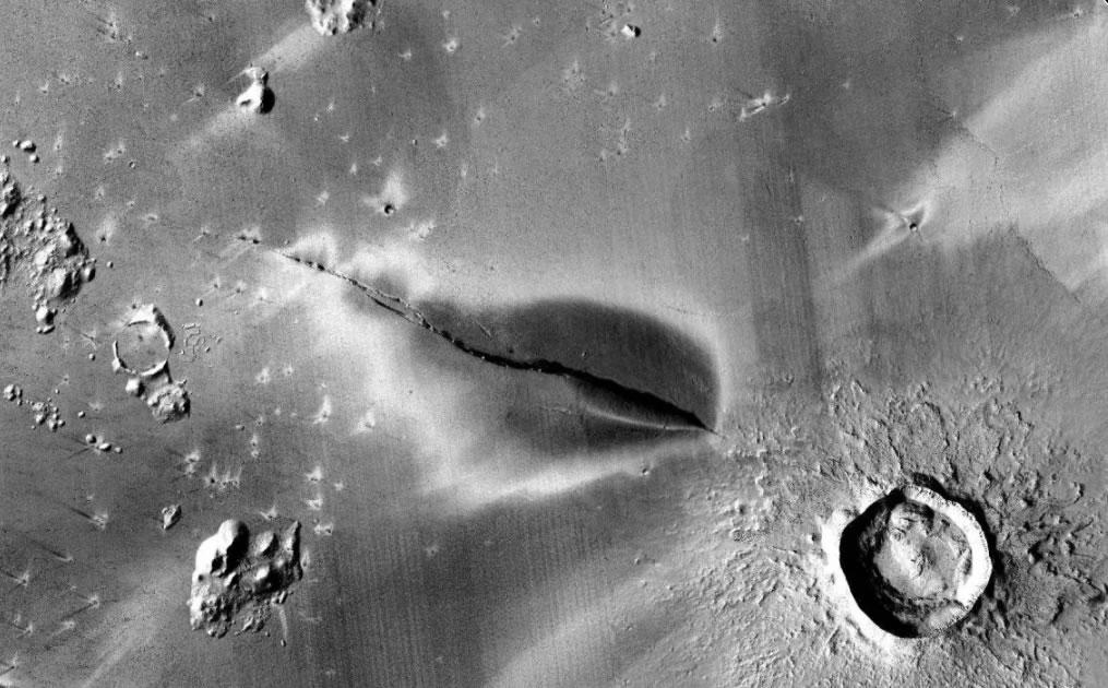 科学家怀疑火星可能仍然有火山活动
