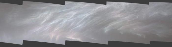 好奇号在火星上捕捉到罕见的云层景象