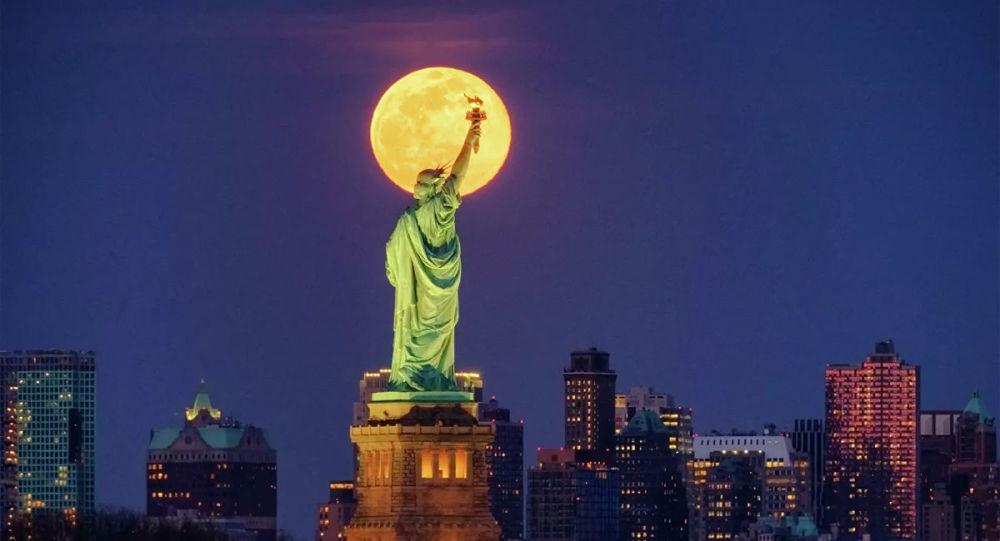 法国政府将给美国纽约送上一尊新的自由女神像