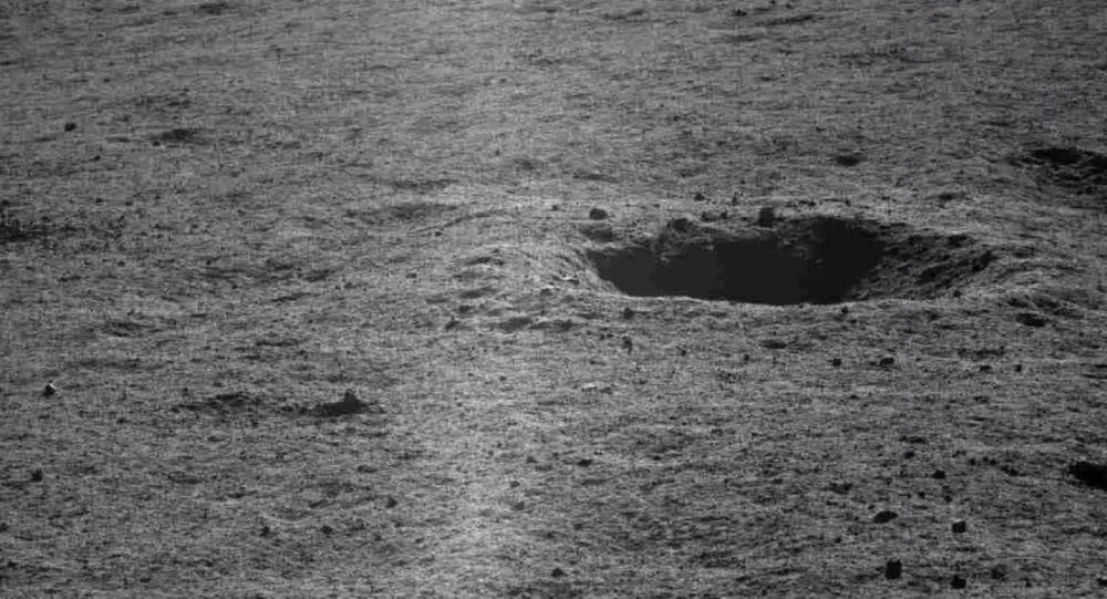 俄罗斯天文学家认为微生物可以在月球地下深处生存和发育