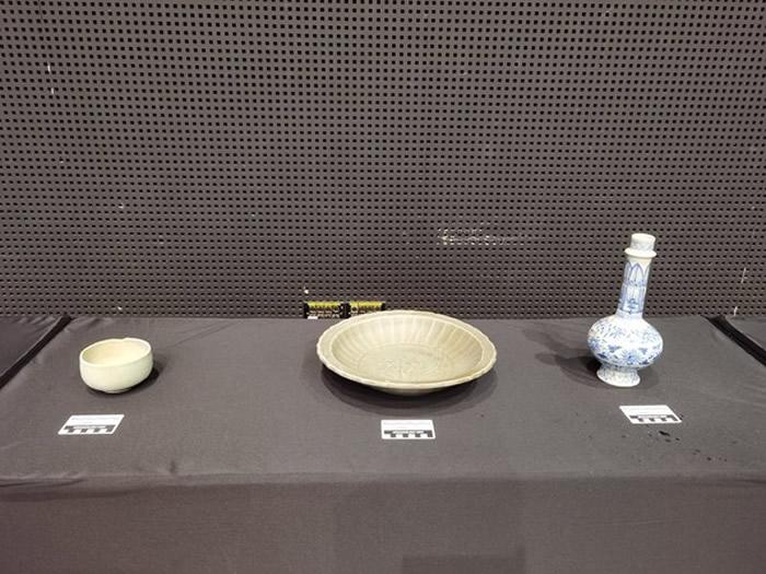新加坡海域发现两艘数百年历史的古代沉船 元代青花瓷大量出土