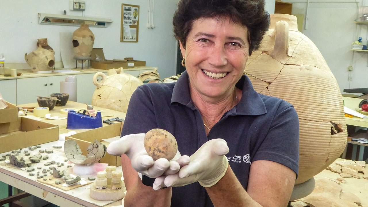 以色列考古学家发现1000年前的鸡蛋