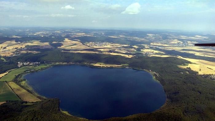 更新世时期德国的拉赫湖火山喷发与新仙女木事件同步
