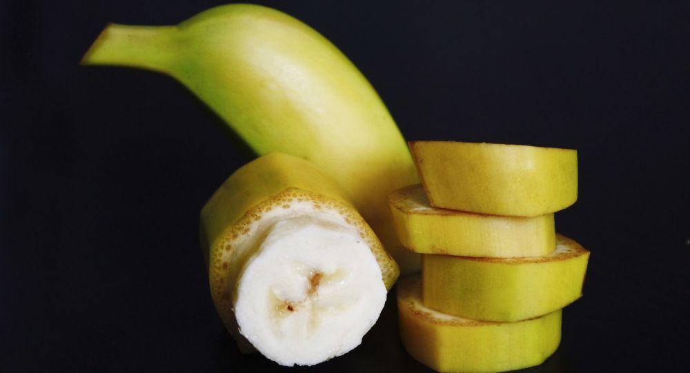 三种含钾量比香蕉多的食物:鳄梨、菠菜和红薯