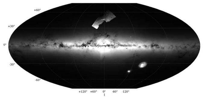 一个由数千颗恒星组成的星团可能在10亿年内分解成几十个黑洞