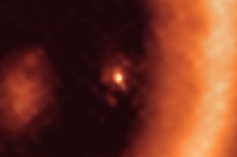 天文学家首次观察到遥远系外行星PDS 70c的系外卫星诞生