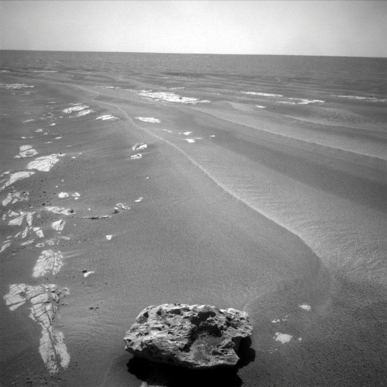 英国自然历史博物馆NHM团队正在为未来的ExoMars漫游车搜索火星陨石铺平道路