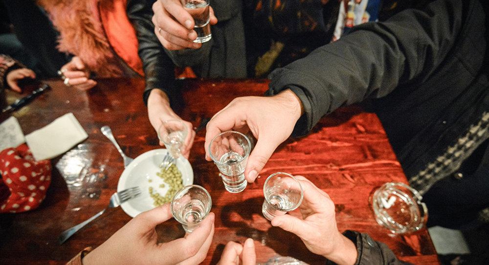 瑞典生物学家发现大脑中有一组神经细胞让人做出喝酒决定
