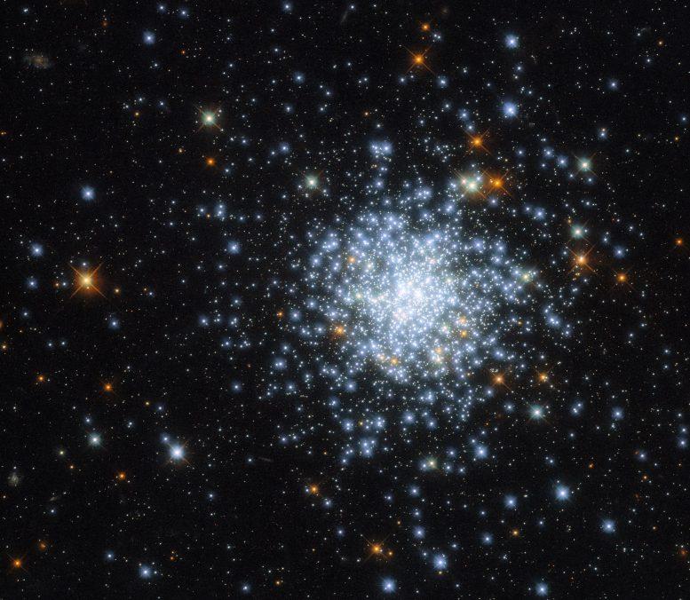 哈勃太空望远镜拍摄的大麦哲伦星系中的疏散星团NGC 2164图像