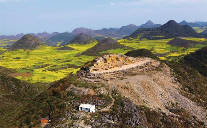 罗平生物群国家地质公园1号采场。罗平县委宣传部供图