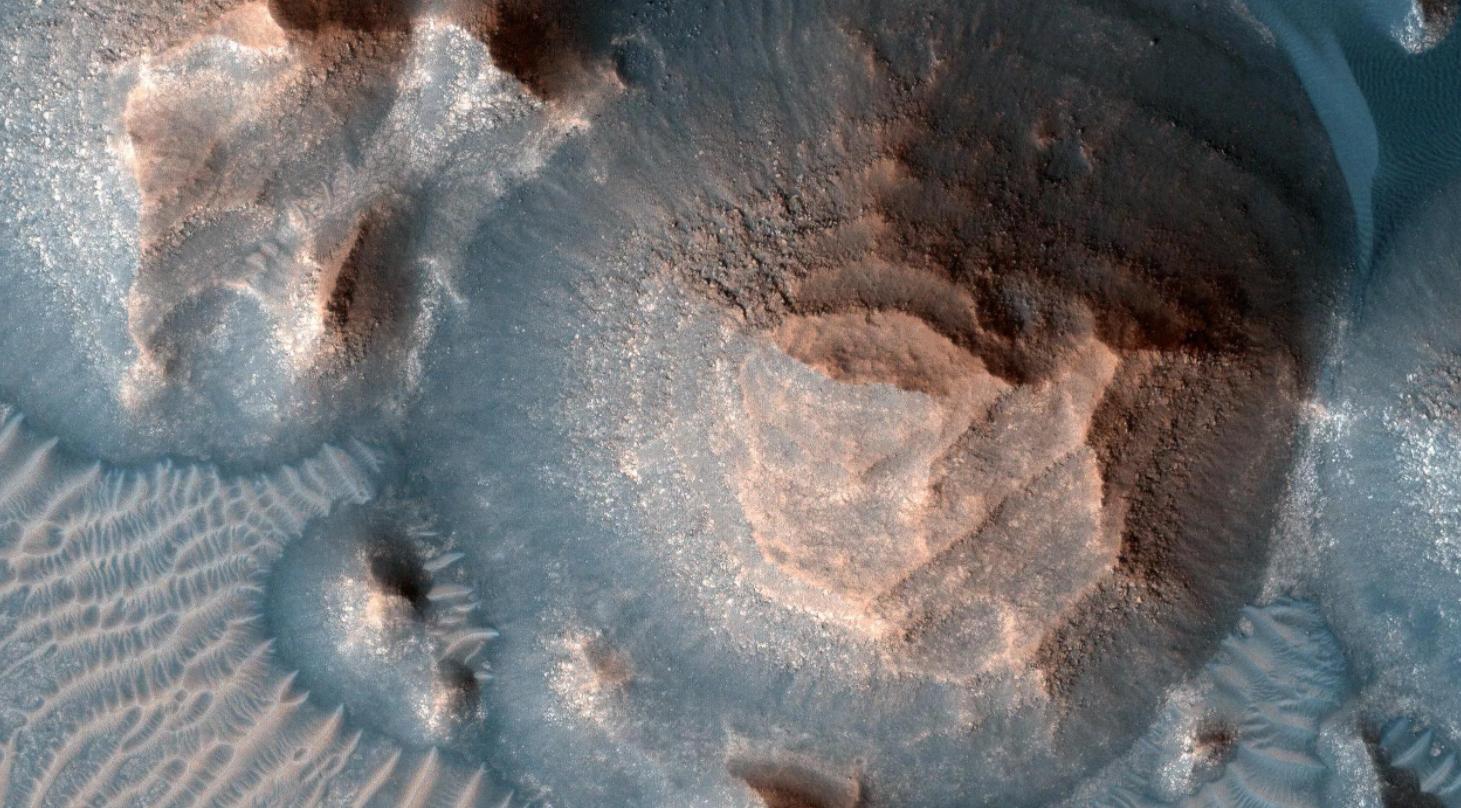 美国宇航局(NASA)科学家正在调查火星上的超级火山喷发