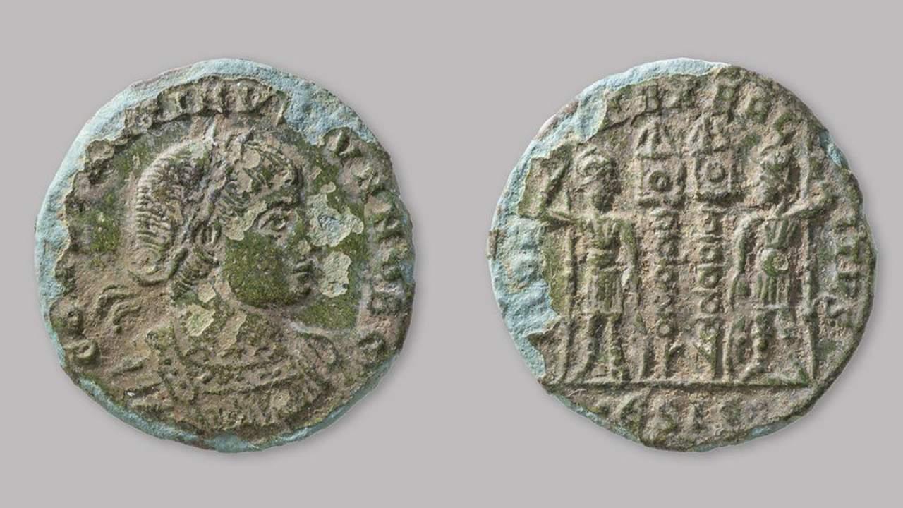 英国修路工人发现铁器时代的房屋地基和罗马硬币