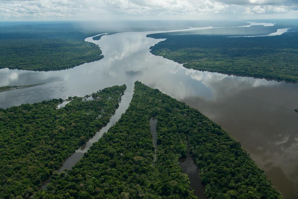 巴西塔帕若斯河是受水力发电高度影响的其中一条自由流动河流。照片来源:Zig Koch/WWF-Brazil
